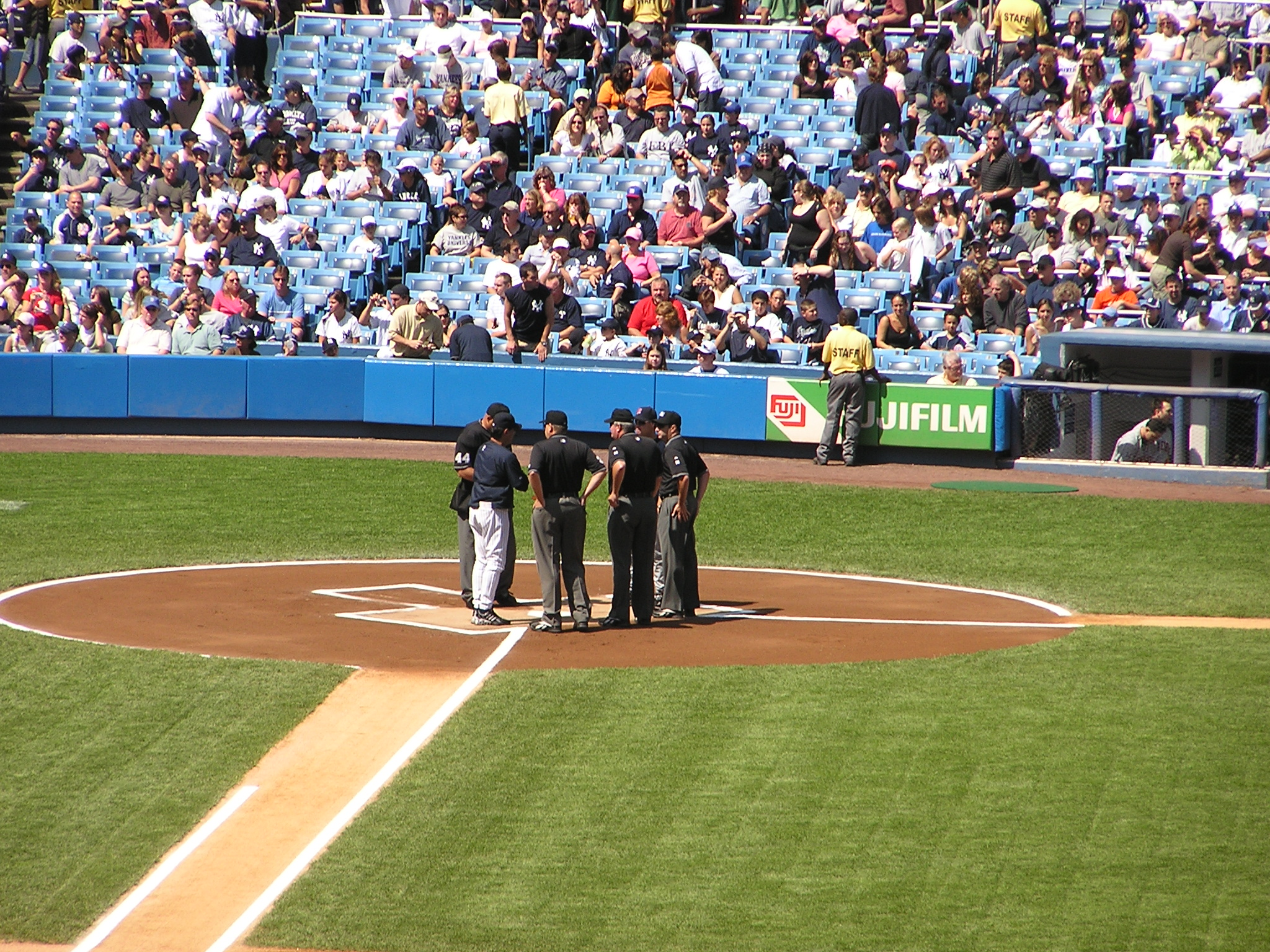 Exchanging the Line Up cards at The Stadium